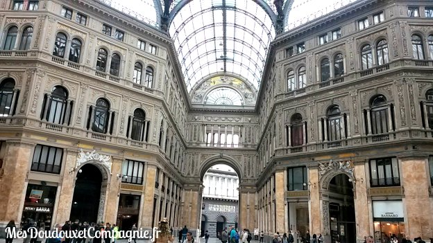 Napoli-galleria-umberto-1